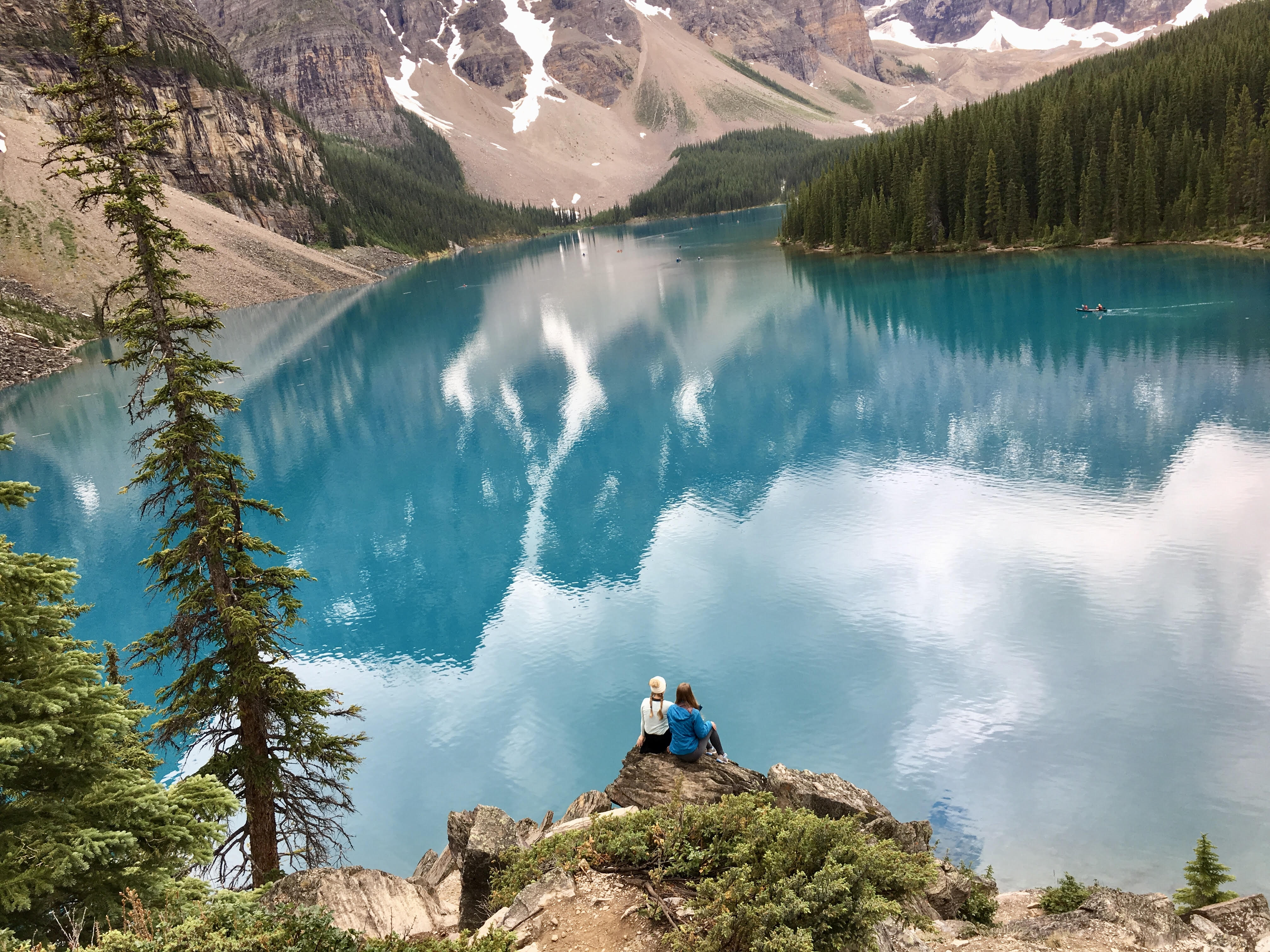 moraine lake in the summer
