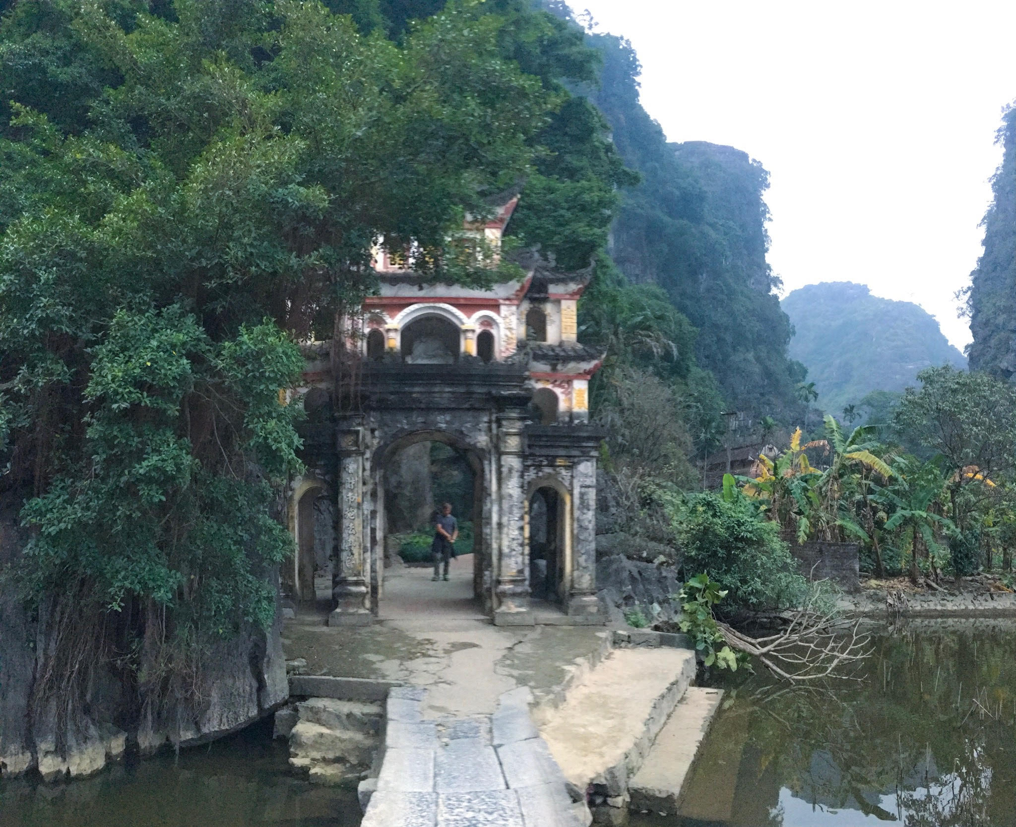 things to do in ninh binh - bich dong pagoda