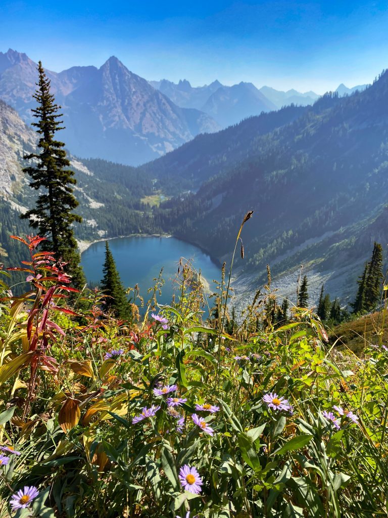 best hikes in north cascades